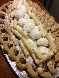 sample-cookie-tray-8-doz-28-4-different-types-1-special-3-traditional